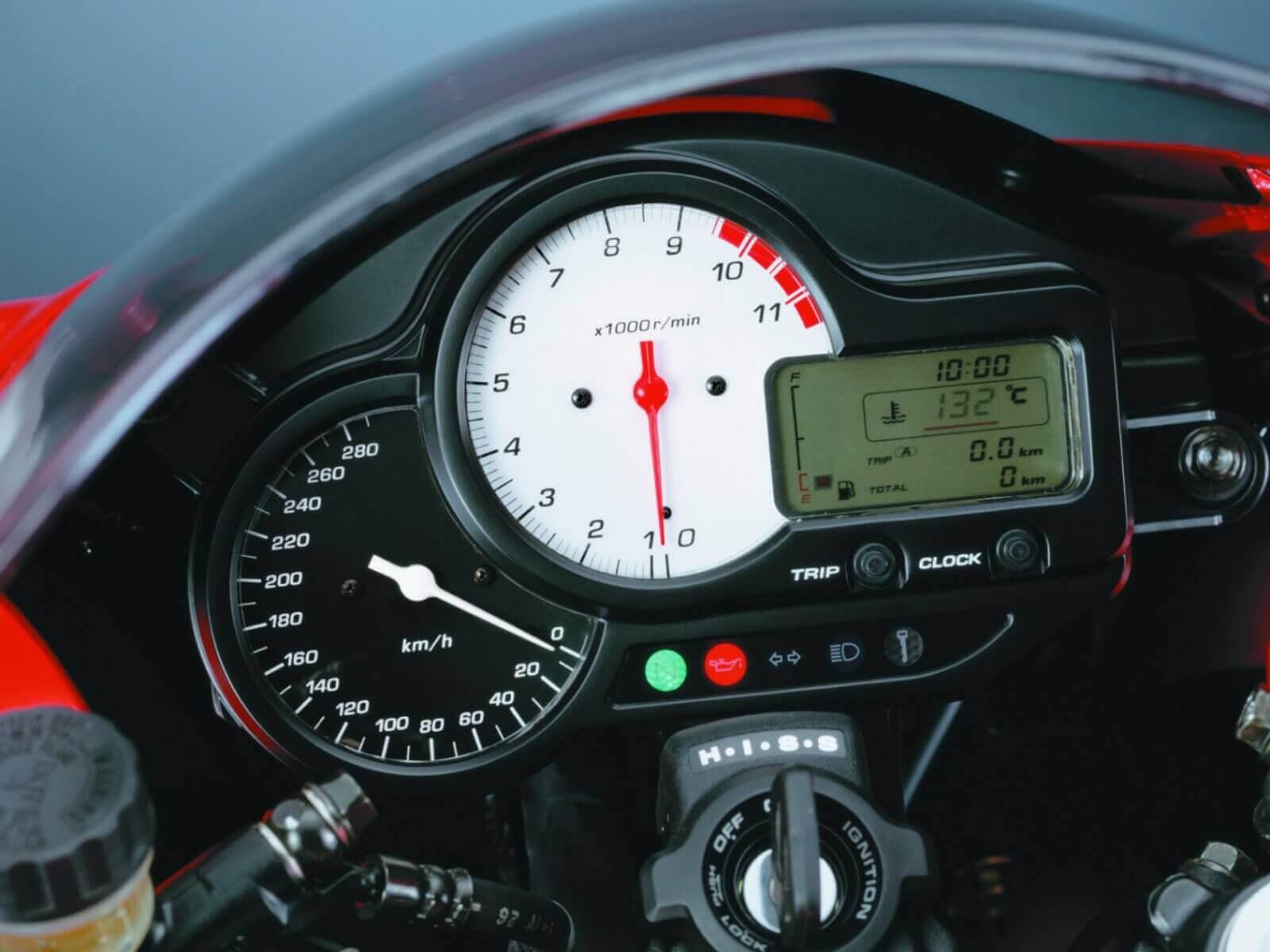 Несъедобная «ватрушка»: Хонда втр 1000 ф