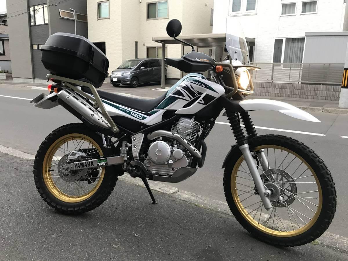 Универсальный мотоцикл: Ямаха Серов 250