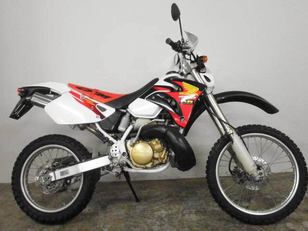 Эндуро из прошлого: Honda CRM250R. Успей покататься, больше таких не будет